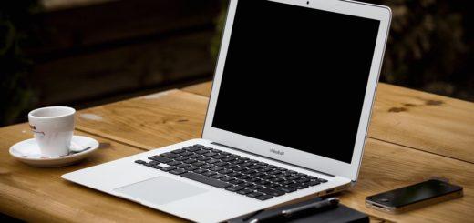 Ärger mit dem Einrichten von Notebooks, PC's uns Co.? DEr Technikengel hilft im Zweifel. Foto: pixinio