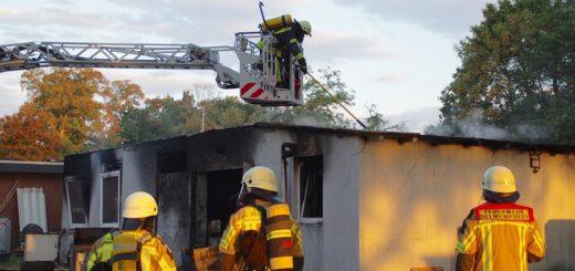 Die Feuerwehr war mit 35 Einsatzkräften vor Ort. Foto gri