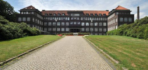 Der denkmalgeschützte Höger-Bau wird nicht mehr Teil des neuen Krankenhauses sein.Foto: Konczak