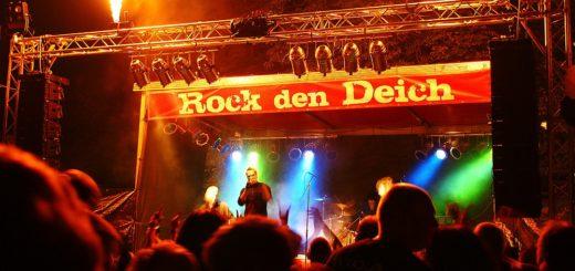 Bis Mitternacht spielen die Bands auf der Bühne im Gewerbepark. Foto: pv