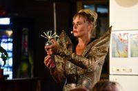 Ein Hingucker ist das Zukunfts-Outfit von Ramona.  Foto: Manja Herrmann
