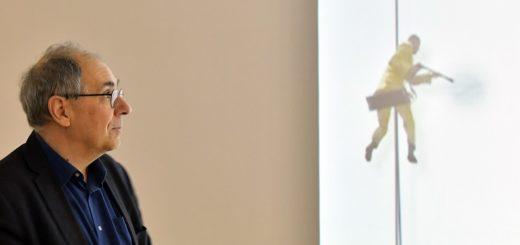 Jean-François Guitons ironische Antwort auf die Schaffenskrisen von Künstlern, die emsig malen, aber keine künstlerischen Spuren hinterlassen. Foto: Konczak