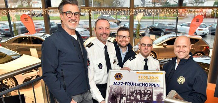 Caner Kiran, Jörn Stilke, Kai Brüning, Albert Seegers und Lions-Präsident Martin Zuliani hoffen wieder auf ein ausverkauftes Haus beim nächsten Jazzfrühschoppen.Foto: Konczak
