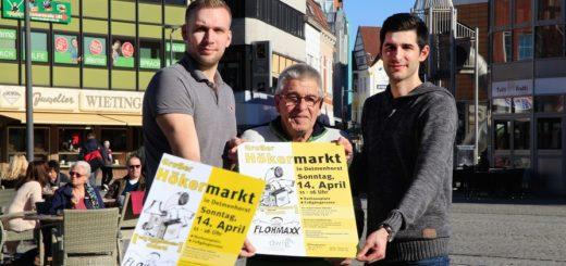 Das Organisationsteam mit Marvin Oetken (Janssen Marktveranstaltungen), Marktaufseher Franz Beermann und Gerrit Eickworth (DWFG) freut sich auf den nächsten Hökermarkt in der Delmenhorster Innenstadt.Foto: Eckert