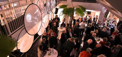 Am Freitag war das Hanse-Wissenschaftskolleg nicht nur für die Fellows ein Ort des Austausches. Foto: Konczak