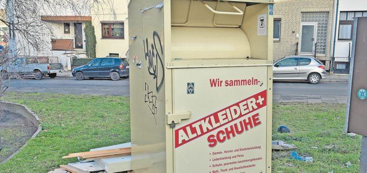 Altkleidercontainer, Foto: Schlie