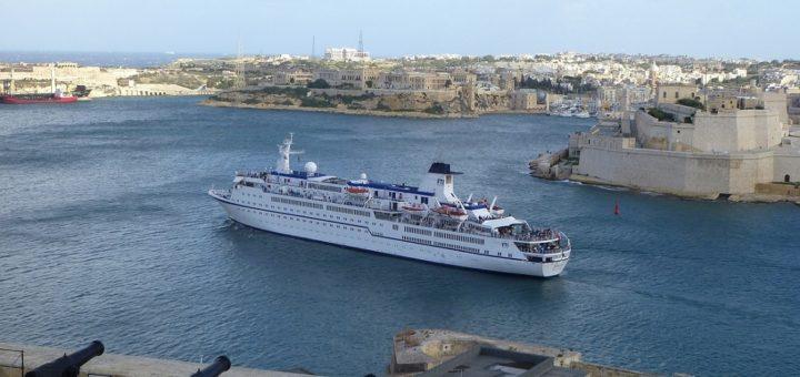 Kreuzfahrtschiffe steuern die schönsten Ziele an. Foto: Kaloglou