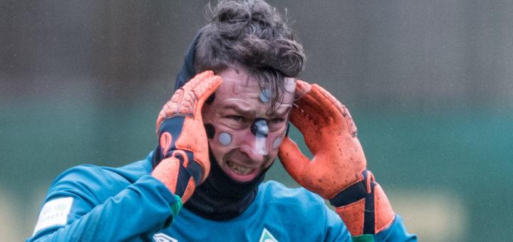 Mit 0:5 gegen England untergegangen gegangen: Werders tschechischer Nationalkeeper Jiri Pavlenka Foto: Nordphoto