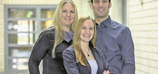 Nina Winter, Meike Spiekermann und Arlo Radtke (v. l.) wollen mit ihrem patentierten Verfahren die Erkennung und Behandlung von Krebs verbessern. Foto: Starthaus/Frank Pusch