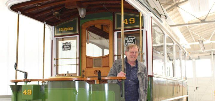 Gerd Borcherding ist zweiter Vorsitzender des Vereins Freunde der Bremer Straßenbahn und begeisterter Restaurator, wenn es um historische Straßenbahnen geht. Foto: Füller