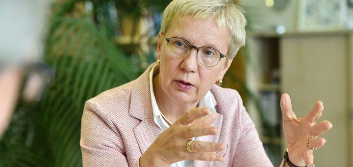 Die SPD-Politikerin Eva Quante-Brandt ist seit 2015 Gesundheitssenatorin. Im neuen Klinikum Mitte ließ sie alles für eine elektronische Patientenakte am Bett vorbereiten. Foto: Schlie