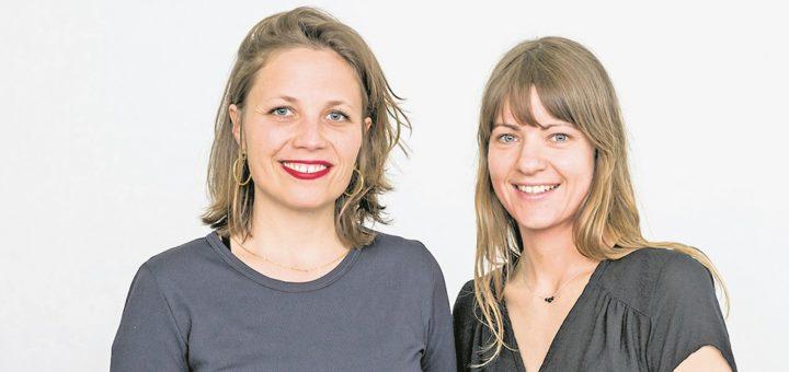 """""""Gründen ist eh schon hart, man hat viele Hürden zu nehmen"""", sagt Paula Eickmann (rechts), die mit Tanja Engel eine Werkstatt für Designmöbel leitet. """"Da hat man es als Frau noch schwerer."""" Foto: Claudia A. Cruz und Nikolai Wolff/Fotoetage"""