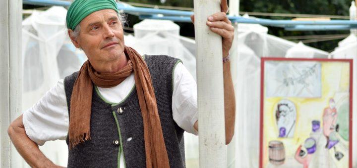 Schauspieler Martin Thoms freut sich über die gewachsene treue Fangemeinde der Burginselträume in Delmenhorst.Foto: Konczak