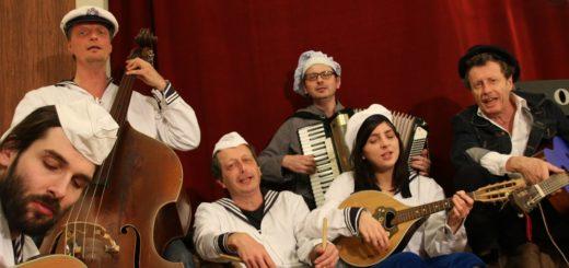 Die Beckedorfer Schifferknoten, der Seemanns-Chor Vegesack, das 1. Bremer Ukulelen-Orchester und die Kinkenband (Foto) sind einige der Bands, die aus der Region kommen. Foto: pv