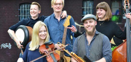 Die Gruppe Dánacht kommt aus Oldenburg. Sie bringen dynamischen, traditionellen Irish Folk auf die Bühne. Foto: Danacht