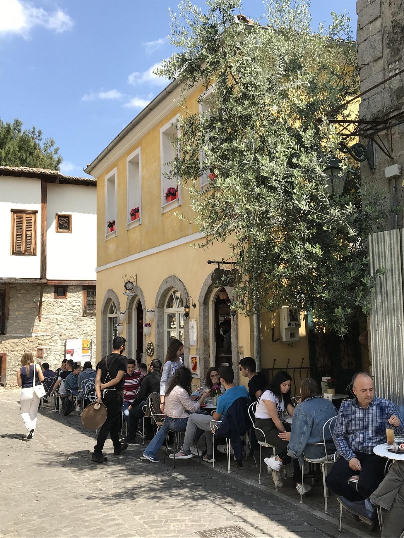 In der Altstadt von Xanthi locken Cafés und Tavernen zum Verweilen ein.