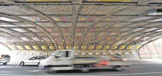Der Tunnel nach Woltmershausen ist schon heute oft verstopft. Durch eine alternative Unterquerung nur für Räder, Fußgänger und Busse, soll die Belastung verringert werden.Foto: Schlie