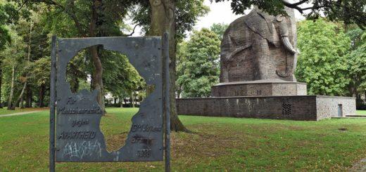 Das Denkmal Elefant im Nelson-Mandela-Park