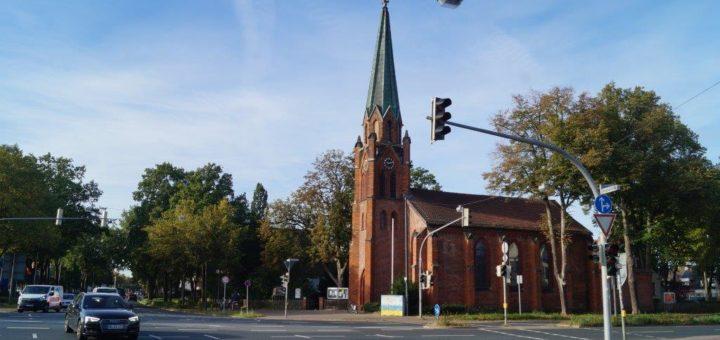 Die Alt Hastedter Kirche an der Benningsenstraße Foto: Lenssen