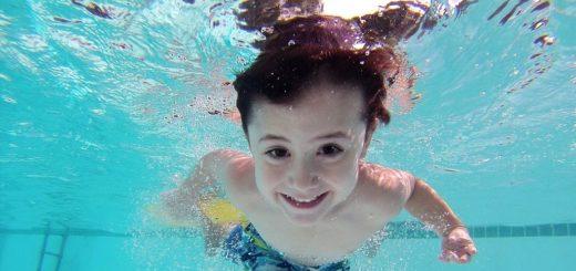 Obwohl die Preiserhöhung wieder rückgängig gemacht wurde, gingen nicht mehr Kinder in die Bremer Schwimmbäder. Foto: Pixabay