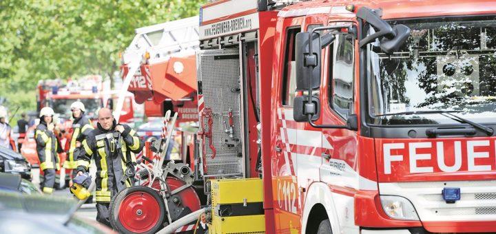 Allein im September musste die Bremer Feuerwehr zu mehreren Aufsehen erregenden Bränden ausrücken. Doch nicht jeder Alarm ist gerechtfertigt. Mitunter schaltet sich die Kriminalpolizei ein.Foto: WR
