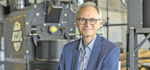Azul-Geschäftsführer Jörg Bieß möchte mit der neuen gläsernen Rösterei den Verbraucher auch direkt ansprechen.Foto: Azul Kaffee