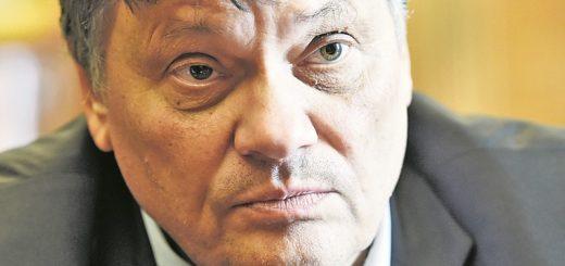 Mit Zahlen kennt sich Dietmar Strehl aus. Er hat Betriebswirtschaft studiert, war Bundesschatzmeister der Grünen und Finanz-Staatsrat, seit August ist er Finanzsenator.Foto: Schlie
