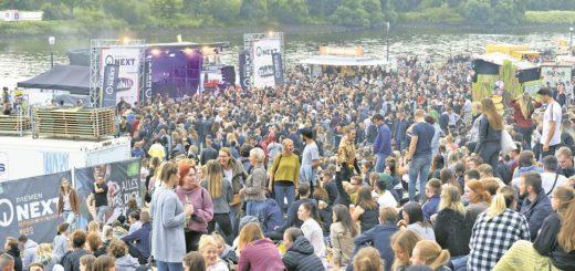Die Bremen-Next-Bühne auf der Breminale zog in den vergangenen Jahren sehr viele junge Besucher an, was auch nach Ansicht der Macher zu Lasten der Ausgewogenheit des Programms und der Besucherstruktur ging. Foto: Schlie