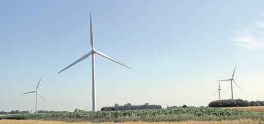 Aufgrund der vielen Windkraftanlagen zu Lande und zu Wasser eignet sich Norddeutschland besonders gut für die klimafreundliche Erzeugung von Wasserstoff. Doch noch sind nicht alle Probleme gelöst. Jetzt will Bremen Abhilfe schaffen.Foto: WR