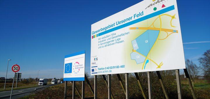 Bauschild im Gewerbegebiet Uesener Feld