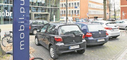 Neuer Mobil-Punkt für Carsharing-Autos: auf dem Radio-Bremen-Parkplatz.Foto: Schlie