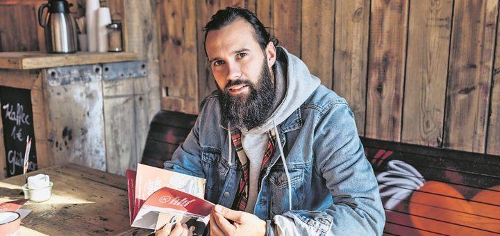 """""""Burger gibt es genügend, Kaffee auch – Bratwurst bisher nicht"""", findet Brad Brat-Gründer Marvin Kruse, der mit seiner Kette bundesweit expandieren will.Foto: pv"""