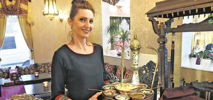 Freundlich, aufmerksam und schnell: Ramune arbeitet im Taj Mahal.Foto: Schlie