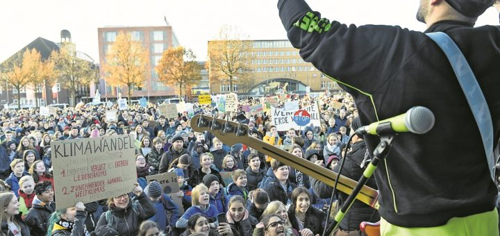 Eine der größten Demonstrationen, die Bremen je erlebt hat: Rund 30.000 Menschen fordern im September mehr Klimaschutz.