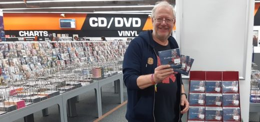 "Kalle van der Pütten mit der CD-Box ""It´s cold outside"". Foto: pv"