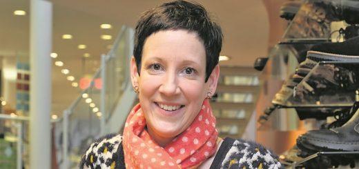 """""""Die jüngere Generation fehlt uns im Laden"""", sagt Martina Petry, Geschäftsführerin des Schuhhaus Meineke. Foto: Barth"""