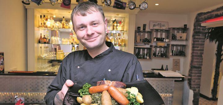 Im Paradies serviert der Chef selbst: Christian Böhme.Foto: Barth