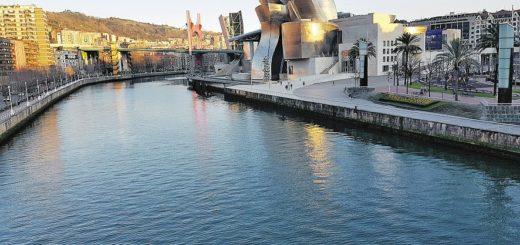 Das Guggenheim-Museum am Ufer des Nervión: Ein Hingucker im Licht der untergehenden Sonne. Foto: Meister