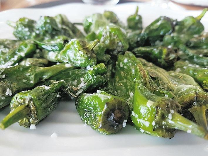 Ein kulinarischer Höhepunkt: Die kleinen grünen (und milden) Paprika, die im Baskenland angebaut werden.
