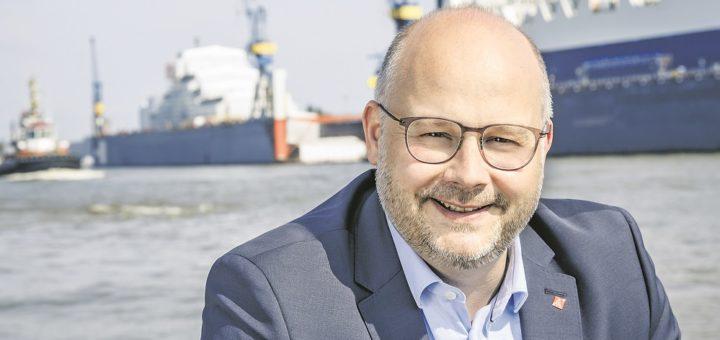 Seit 2019 leitet Daniel Friedrich die IG Metall Küste, die auch Beschäftigte in Bremen betreut, etwa im Mercedes-Werk oder bei Airbus.Foto: IG Metall Küste/Isadora Tast