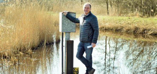 Wilfried Döscher und seine Mitarbeiter beim Bremischen Deichverband rechts der Weser haben im Frühjahr alle Hände voll zu tun mit der Beseitigung der Flut- und Nutriaschäden. Foto: Schlie
