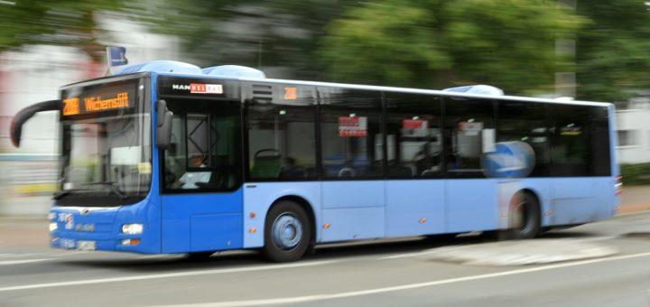 """""""Neu. Länger. Besser. Mehr"""" lautet das Motto des neuen Busliniennetzes, das zum Sommerferienbeginn am 16. Juli in Kraft treten soll. Foto: Konczak"""