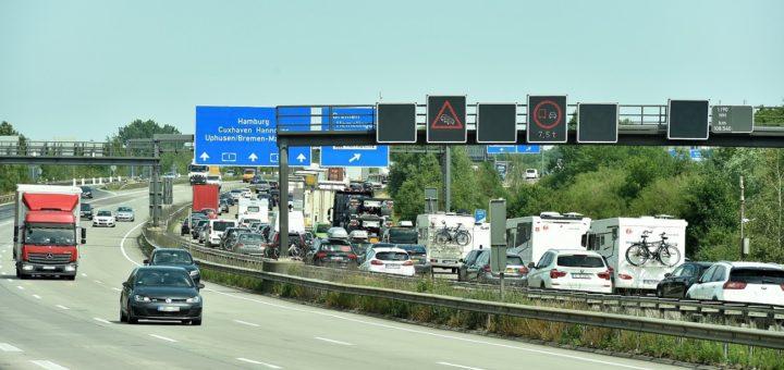 Ferienende in Bremen und Niedersachsen sorgt am Wochenende für ein verstärktes Verkehrsaufkommen. Foto: Weser Report