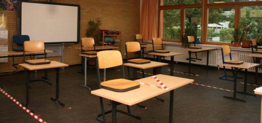 An der Wilhelm-Kaisen-Oberschule waren bereits vor den Ferien Zonen abgeklebt worden. Foto: Holz