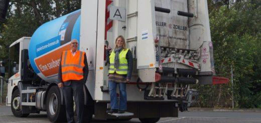Glauben an die Kraft der Tonne: Bürgermeister Andreas Bovenschulte und Senatorin Maike Schaefer Foto: Lenssen