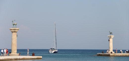 Die griechische Insel Rhodos ist auch bei Bremer Touristen ein beliebtes Urlaubsziel. Foto: Manfred Richter auf Pixabay