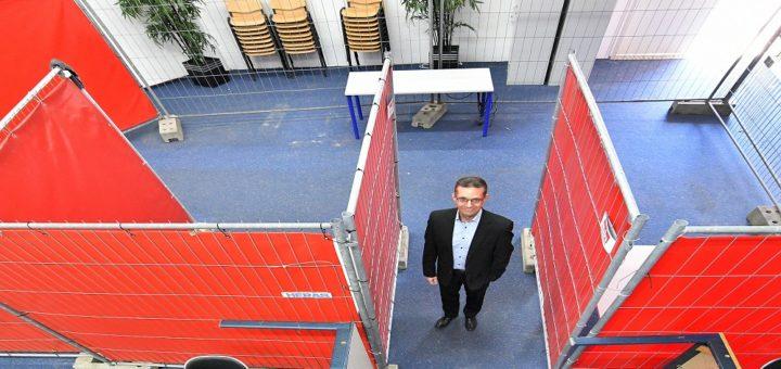 Michael Hensel, stellvertretender Einrichtungsleiter bei Zurbrüggen freut sich über die sinnvolle Nutzung der Fläche neben dem Möbelhaus. Foto: Konczak