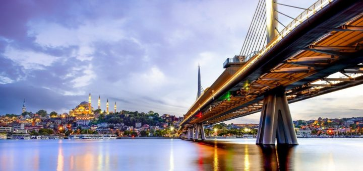 Istanbul, die Weltmetropole am Bosporeus, ist immer wieder eine Reise wert. Foto: Alp Cem/Pixabay