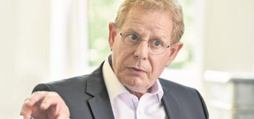 Der Jurist Ingo Schierenbeck ist seit 2010 Hauptgeschäftsführer der Arbeitnehmerkammer. Zum Oktober plant er eine Ausstellung zum 100-jährigen Jubiläum.Foto: Schlie