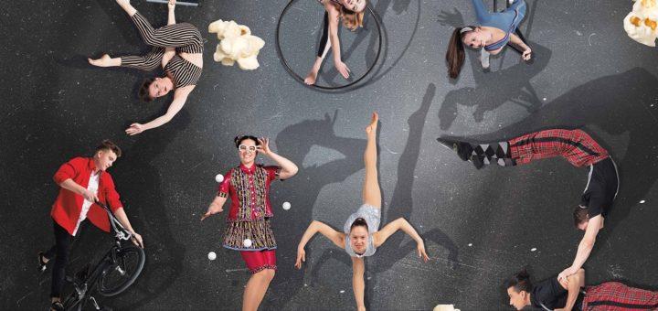 "Die Absolventenshow der Staatlichen Artistenschule Berlin trägt den Titel ""Popcorn"". Foto: Jule Felice Frommelt"